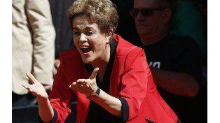 A todo o nada. Dilma durante el acto del 1º de Mayo en San Pablo. Quiere forzar la salida de Michel Temer.