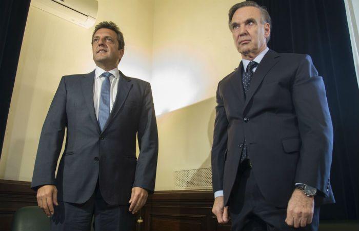 El líder del Frete Renovador se reunió con el jefe el bloque de senadores del Frente para la Victoria.