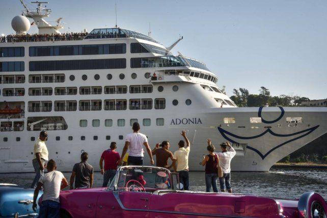 El primer crucero entre EEUU y Cuba en medio siglo ya está en La Habana