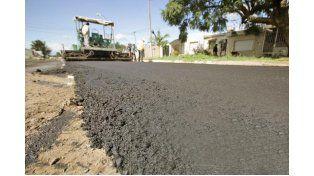 Emergencia hídrica: continúa la reconstrucción de la red vial de la ciudad