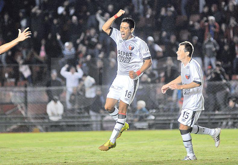 El Negro Figueroa marcó su segundo gol con la camiseta de Colón. Foto: Manuel Testi / UNO Santa Fe