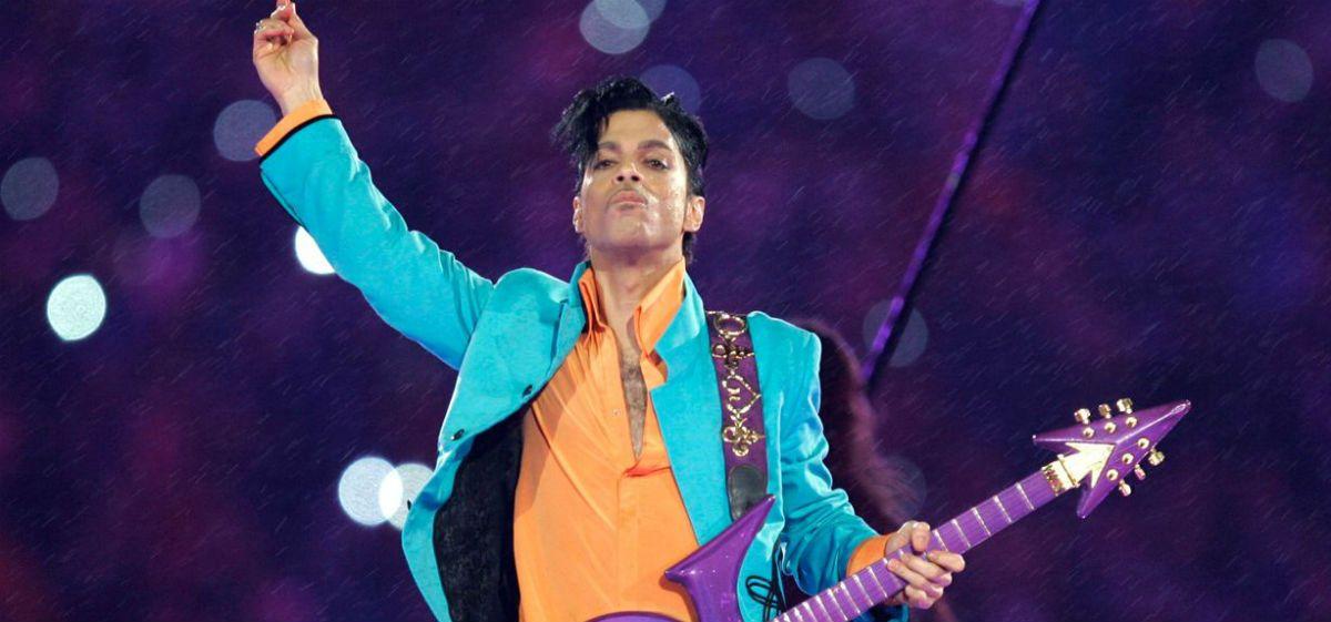 Subastan una prenda que usó Prince en 1984