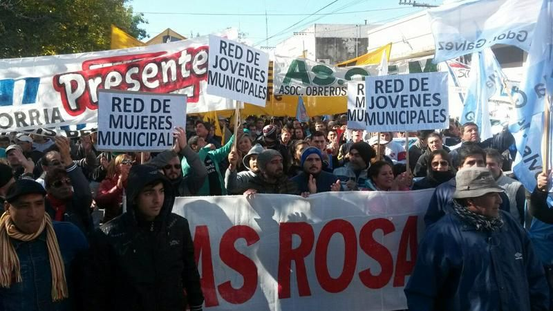 Conflicto. Los municipales iban a reclamar mañana en la apertura de sesiones ordinarias por la situación en Las Rosas. Gentileza/Las Rosas Digital