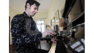 Silas Bassa. Su trabajo estuvo en el puesto número uno en cadenas de ventas de discos físicos por un mes dentro de la música contemporánea. Foto: Juan Baialardo