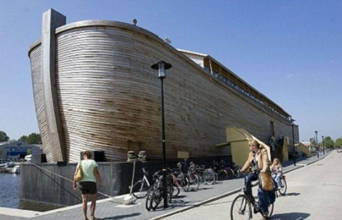El arca de Noé creada por el carpintero holandés Huibers.
