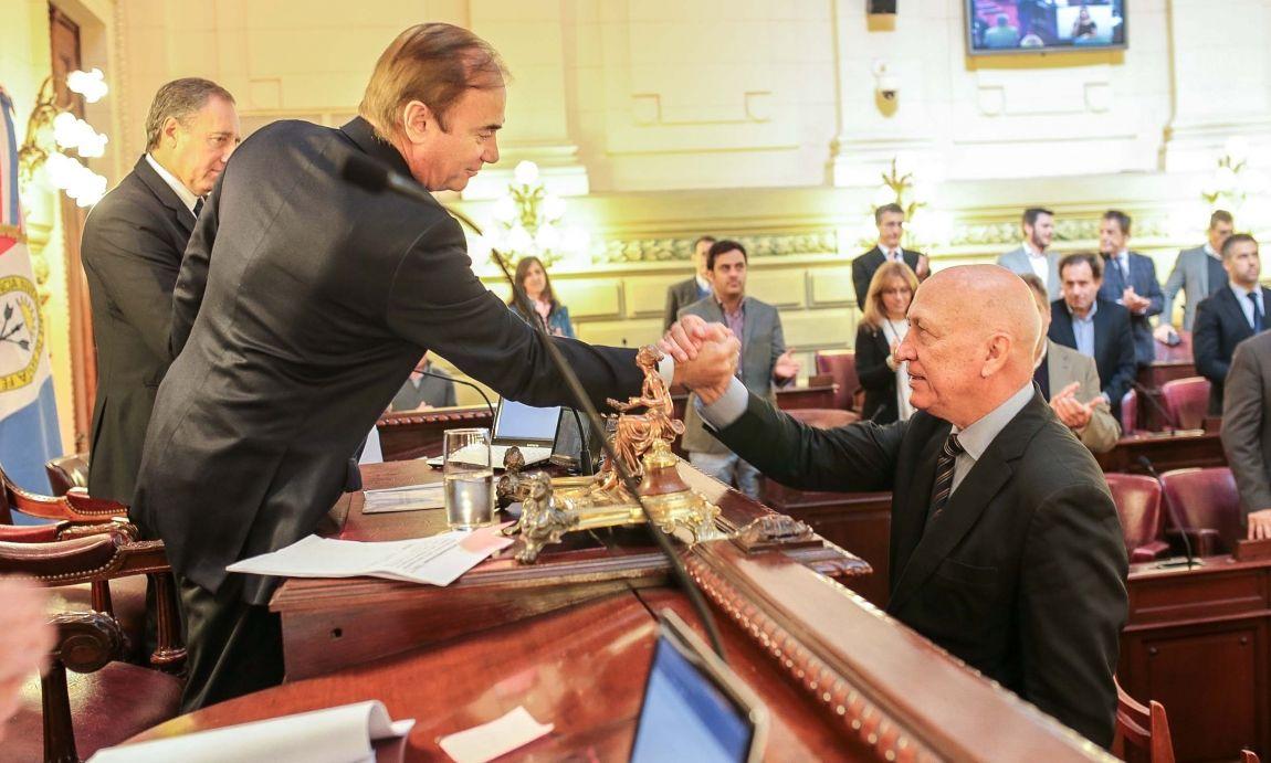 Presidente. Bonfatti fue electo por sus pares. Lo acompañan Roberto Mirabella (vice 1º) y Germán Mastrocola (vice 2º). Gentileza/Cámara de Diputados de Santa Fe