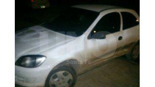 El auto que conducía el hombre de 26 años y que tenía pedido de captura tras se robada en la provincia de Buenos Aires.