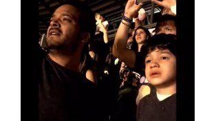 Coldplay le envió un mensaje por Twitter al nene autista que se emocionó en uno de sus recitales