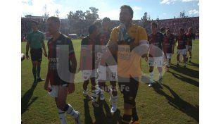 Los jugadores se sienten atemorizados por las amenazas y las agresiones que sufrieron luego del Clásico / Foto: José Busiemi - Uno Santa Fe