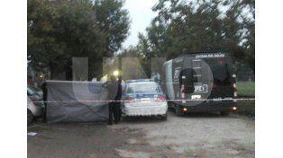 Asesinaron a una mujer a metros de la cárcel de Las Flores