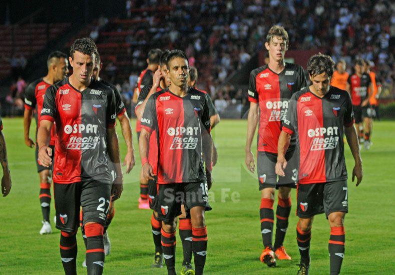 El plantel rojinegro se juega mucho en este partido ante Unión teniendo en cuenta los últimos antecedentes / Foto: Manuel Testi - Uno Santa Fe