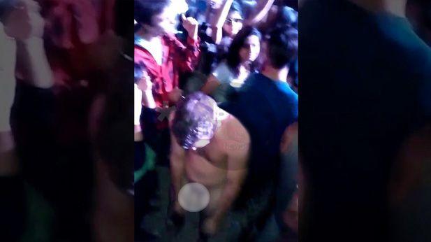 Un joven totalmente desnudo bajo los efectos devastadores de la droga en la fiesta de Costa Salguero.