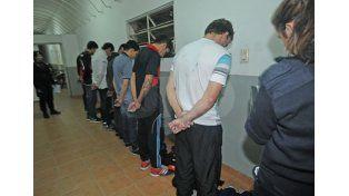 Liberaron a los barras de Colón que le pegaron a Alan Ruiz