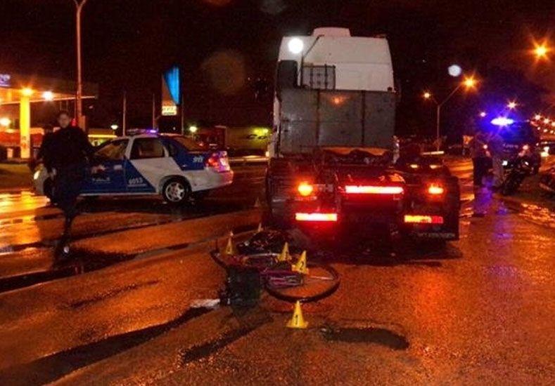 Accidente fatal: un camión aplastó a una mujer