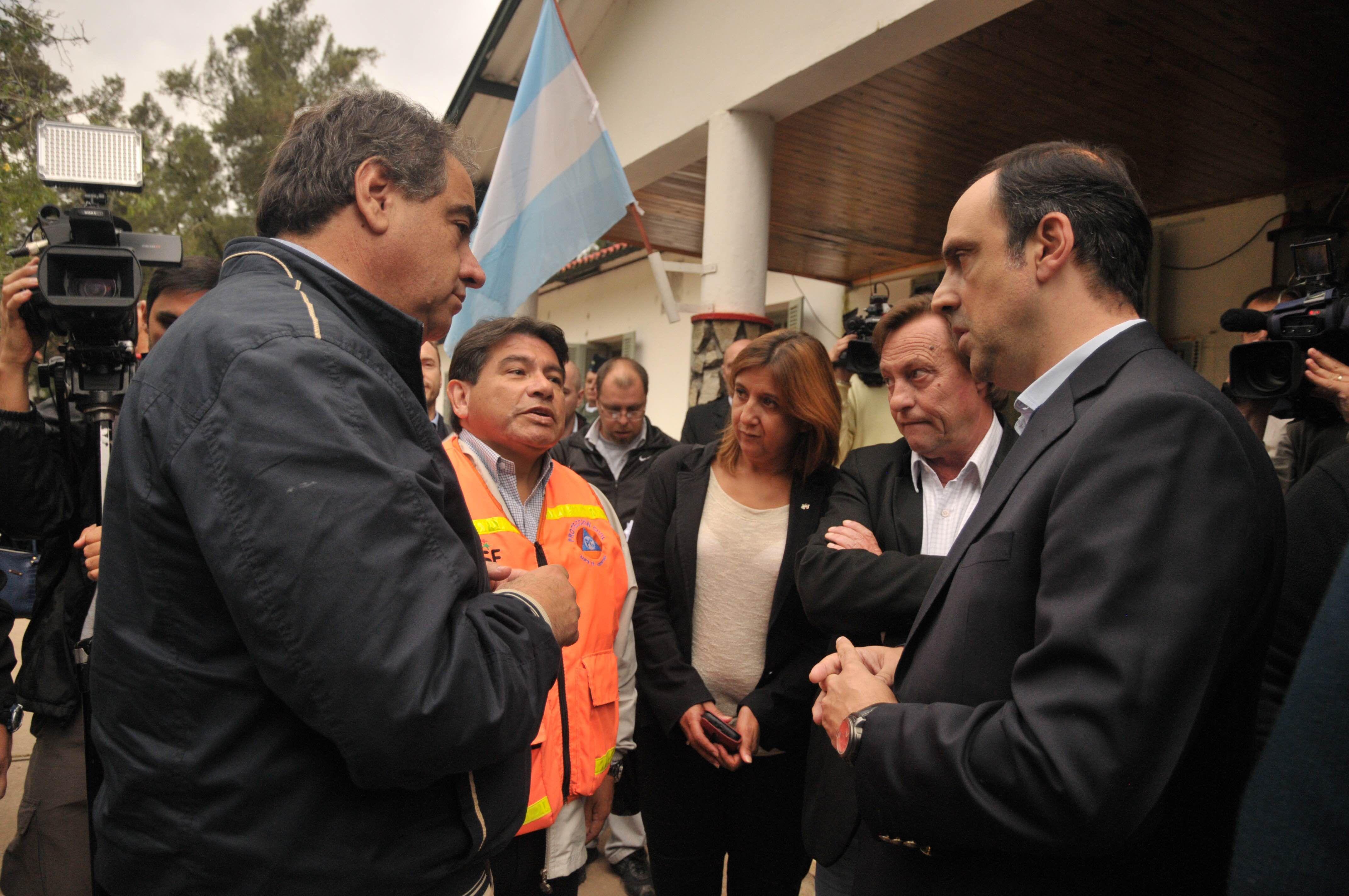 El ministro de Defensa recorrió gran parte de Santa Fe