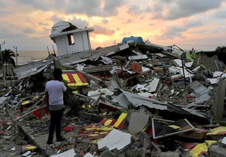 Ecuador sigue en alerta: un nuevo terremoto de 6,1 grados sacudió la costa norte