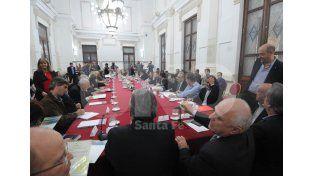 Convocatoria. A la reunión asistieron legisladores de todas las fuerzas representadas en la Legislatura / Foto: José Busiemi - Uno Santa Fe