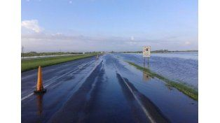 Volvieron a cortar la autopista Santa Fe - Rosario por desborde del Colastiné