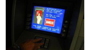 Podría faltar dinero en los cajeros entre el jueves y el lunes por la mañana. (foto: Sebastián Suárez Meccia)