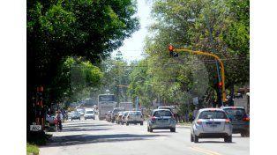 El ingreso. La avenida 7 de Marzo es la cara más visible cuando se accede a Santo Tomé desde el Puente Carretero que la une con la capital./ Manuel Testi.