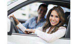 ¿Sabés qué se fijan las mujeres en los autos de los hombres?