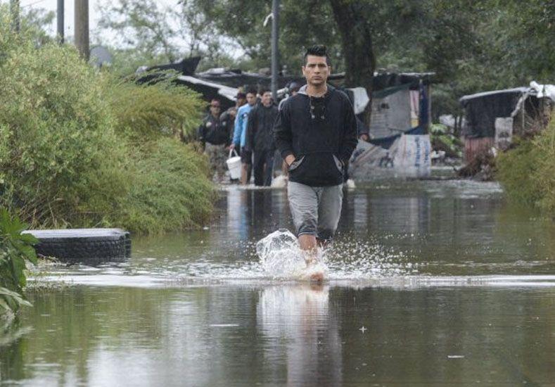El Gobierno invertirá $100 millones para los trabajadores afectados por las inundaciones del Litoral