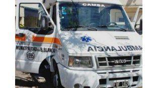 Manejaba una ambulancia, buscaba a su pareja y usaba el vehículo como telo