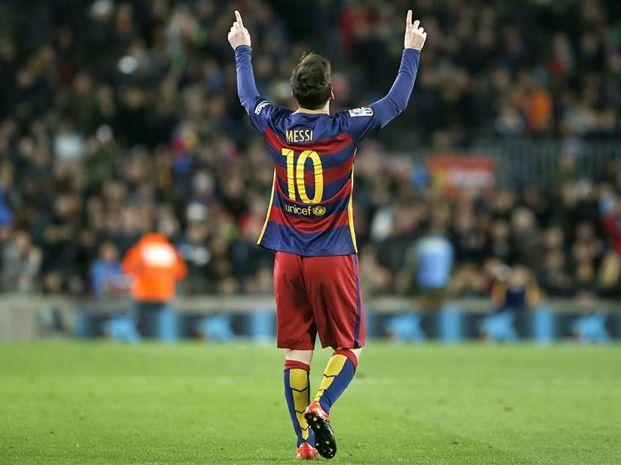 El rosarino convirtió su gol número 500 pero Barcelona cayó frente a Valencia.