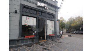Vandalismo. Rompieron la vidriera de un bar en barrio Candioti. Foto: Manuel Testi / UNO Santa Fe