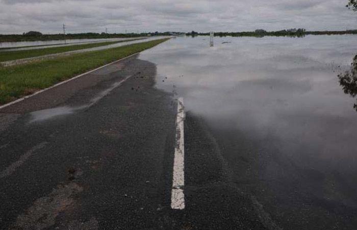 Las precipitaciones siguen causando gravísimos inconvenientes en las rutas santafesinas.