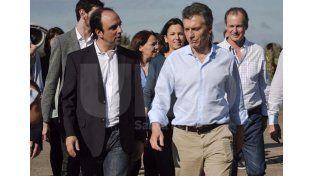 Vamos a tener que declarar el desastre, dijo Macri tras recorrer las zonas inundadas del Litoral