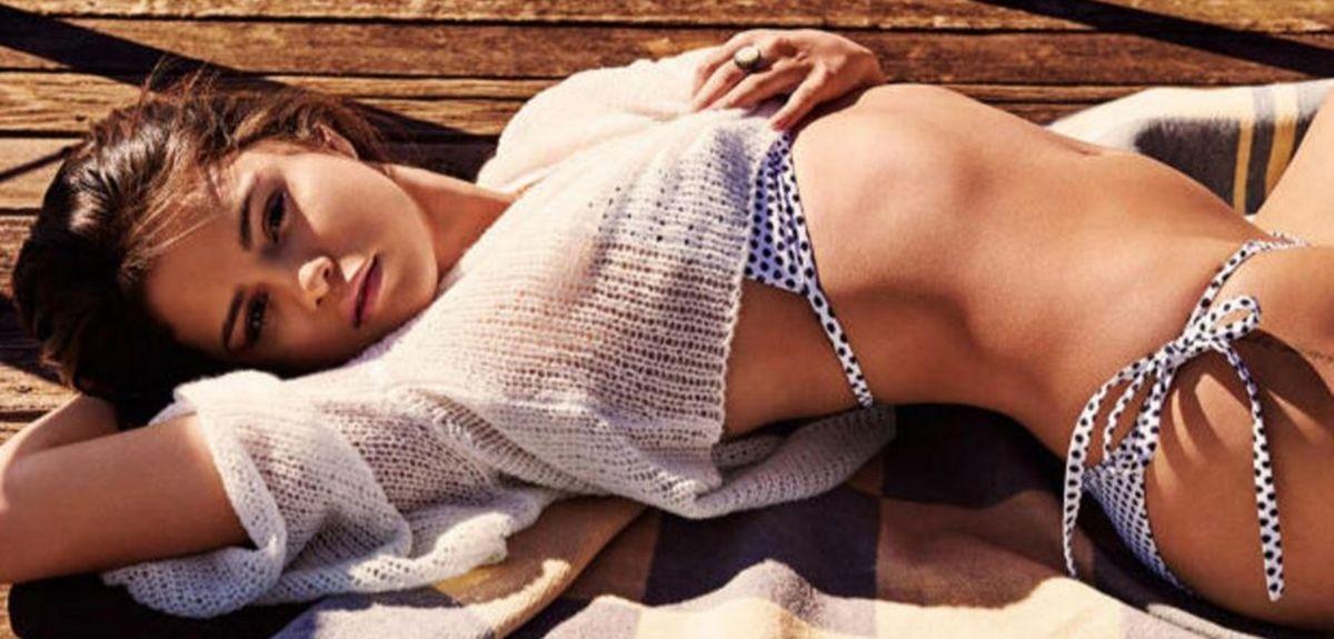Selena Gomez desbordó sensualidad y apareció semidesnuda