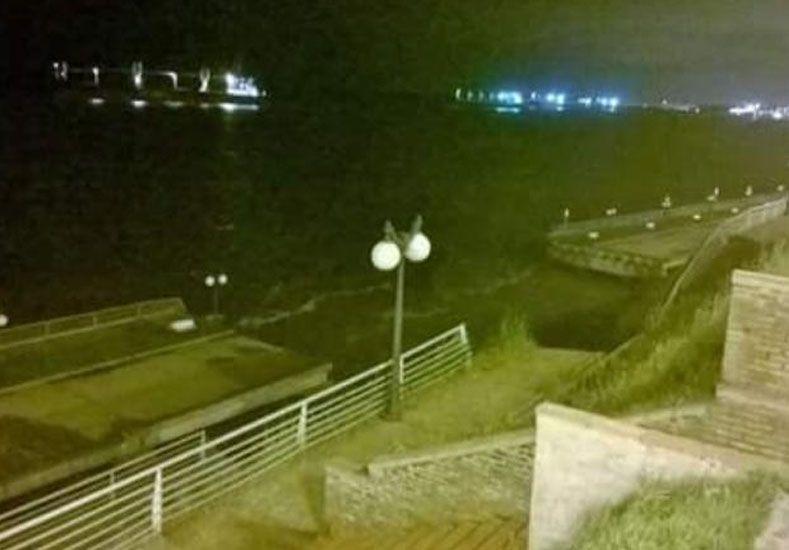 Impresionante video captó el momento exacto del derrumbe del Paseo de la Libertad de San Lorenzo