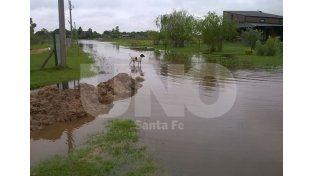 Arroyo Leyes. Pasó una semana y los vecinos observan que el agua no se retira de las calles.