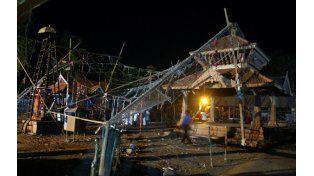 Desastre. El encendido accidental de fuegos artificiales disparó la tragedia en las festividades de la diosa Bhadrakali.