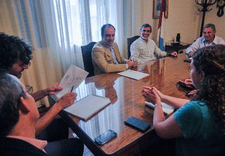 Escuelas de Trabajo: Corral presentó el programa en el Ministerio de Salud