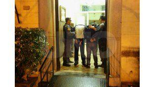 Detuvieron a dos delincuentes que intentaron robar en una casa del barrio Candioti