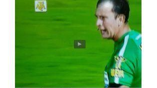 El árbitro Darío Herrera y un insulto al aire tras la caída de Central ante Vélez