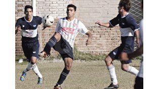 4-Fútbol. Participa de las 11 categorías de la Liga Santafesina