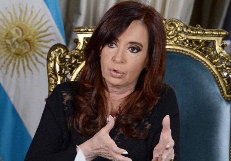 Sin fueros, Cristina Kirchner acumula cinco causas judiciales, entre ellas dos imputaciones