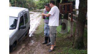 Rincón: ni el intendente se salvó de las calles intransitables por las lluvias