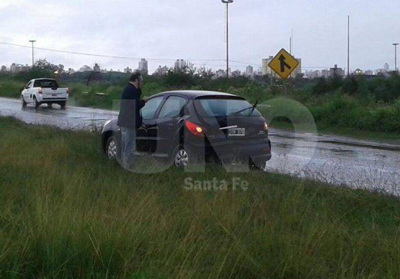 Un espejo de agua causó accidentes en la Autopista Santa Fe - Rosario