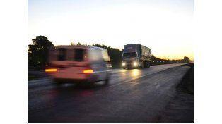 La lluvia complicó el tránsito en rutas y accesos de la provincia