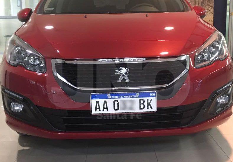 El automóvil fue entregado esta mañana en la concesionario Natión