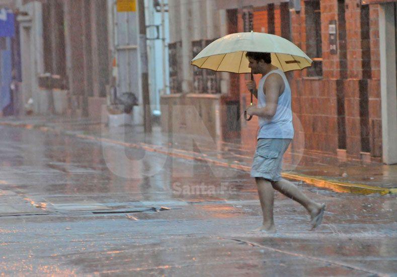 Alerta por tormentas para el centro y norte provincial