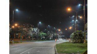 Las columnas con luminarias LED. / PRensa Santa Fe Ciudad.