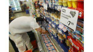 Compensación. Los supermercadistas marcan que hubo una pequeña caída en las ventas pero que se equipara al ahorro por no abrir los domingos.  UNO de Santa Fe/Juan M. Baialardo