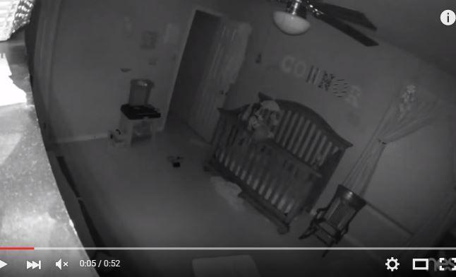 Pusieron una cámara en el cuarto de su bebé y vieron un evento escalofriante