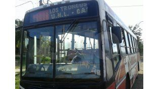 Dos delincuentes robaron a los pasajeros de un colectivo