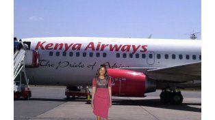 La joven viajó por el mundo gracias al Photoshop.